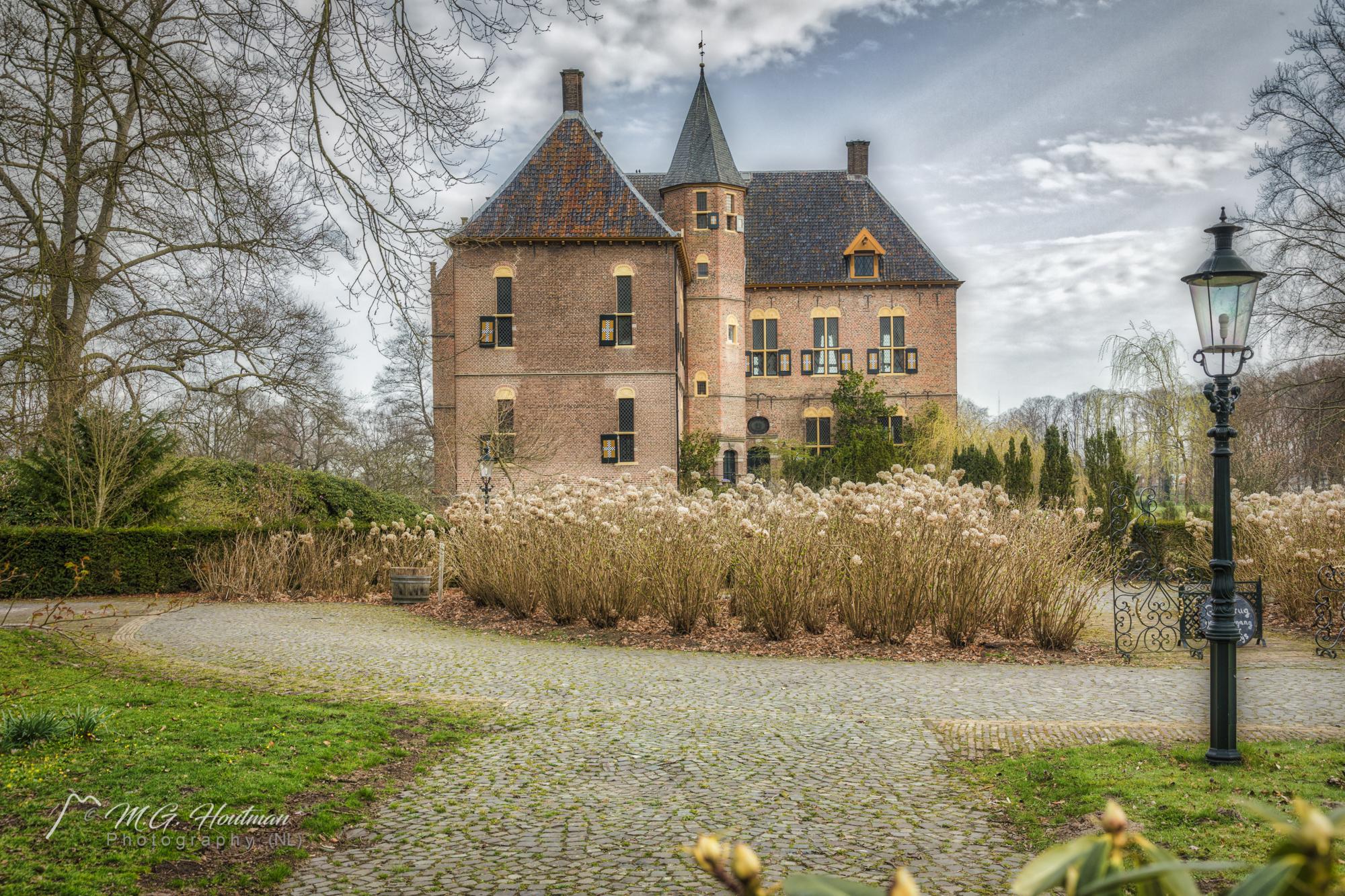 Kasteel Vorden is een kasteel en landgoed zuidoostelijk gelegen in het gelijknamige dorp Vorden in de gemeente Bronckhorst, in de Nederlandse provincie Gelderland.