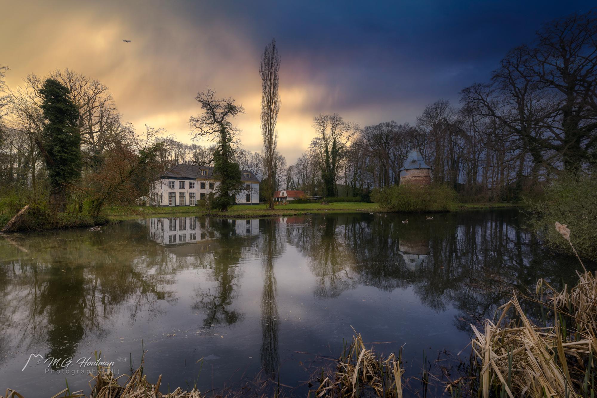 Wickenburgh, voorheen Westenstein, is een voormalig kasteel, nu buitenplaats bij 't Goy, gemeente Houten in de Nederlandse provincie Utrecht.  Er bestaan aanwijzingen dat Wickenburgh de opvolger is van een hofstede uit de karolingische tijd, de Westrummerhofstede. Het huis werd gebouwd aan de rand van de Westrummerweijde, dat in de vroege middeleeuwen onderdeel uitmaakte van het gebied Westrum, een nederzetting waaromheen akkers en weidegebieden lagen. Een kaart uit 1641 laat voor het huis een ronde vijver zien met daarin een rond eiland. Op dit eiland zou op een verhoging een in hout opgetrokken hoogmiddeleeuws mottekasteeltje kunnen hebben gestaan.