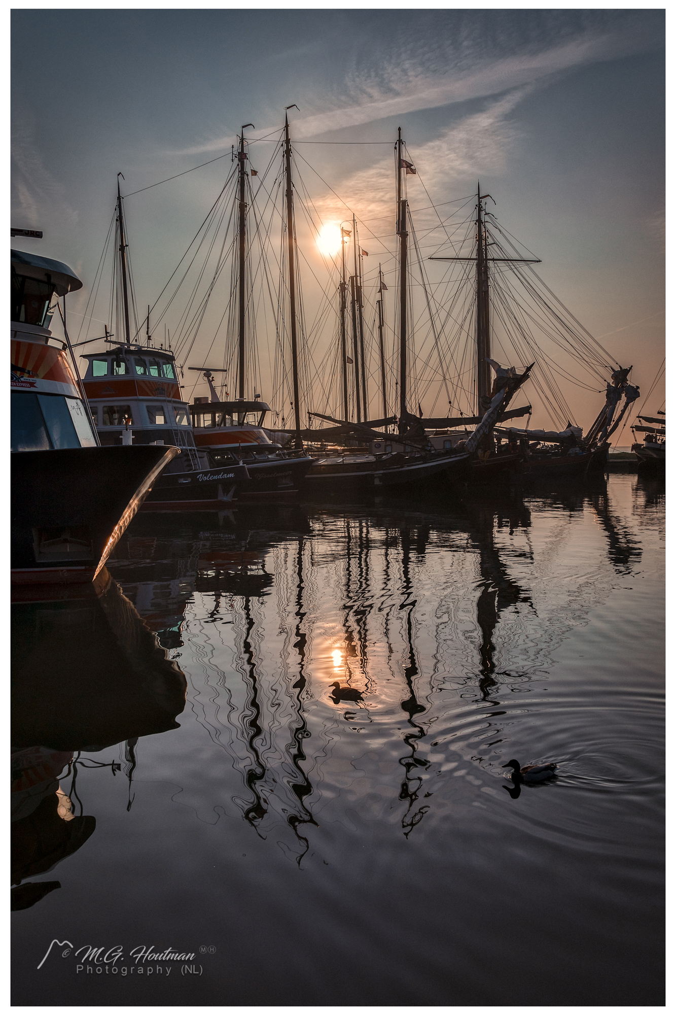 The day starts in the harbor