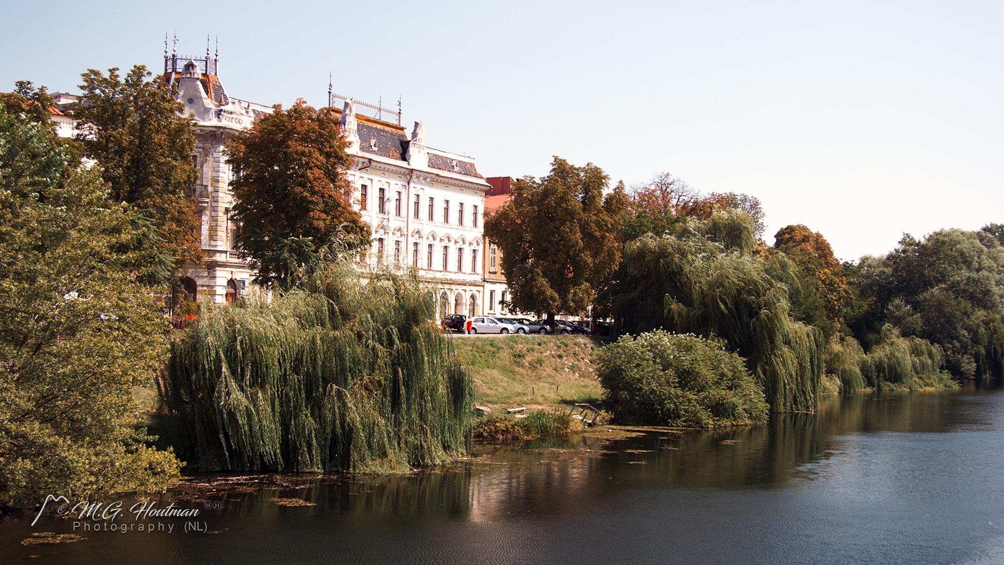 Huizen aan de Crisul Repede rivier - Oradea