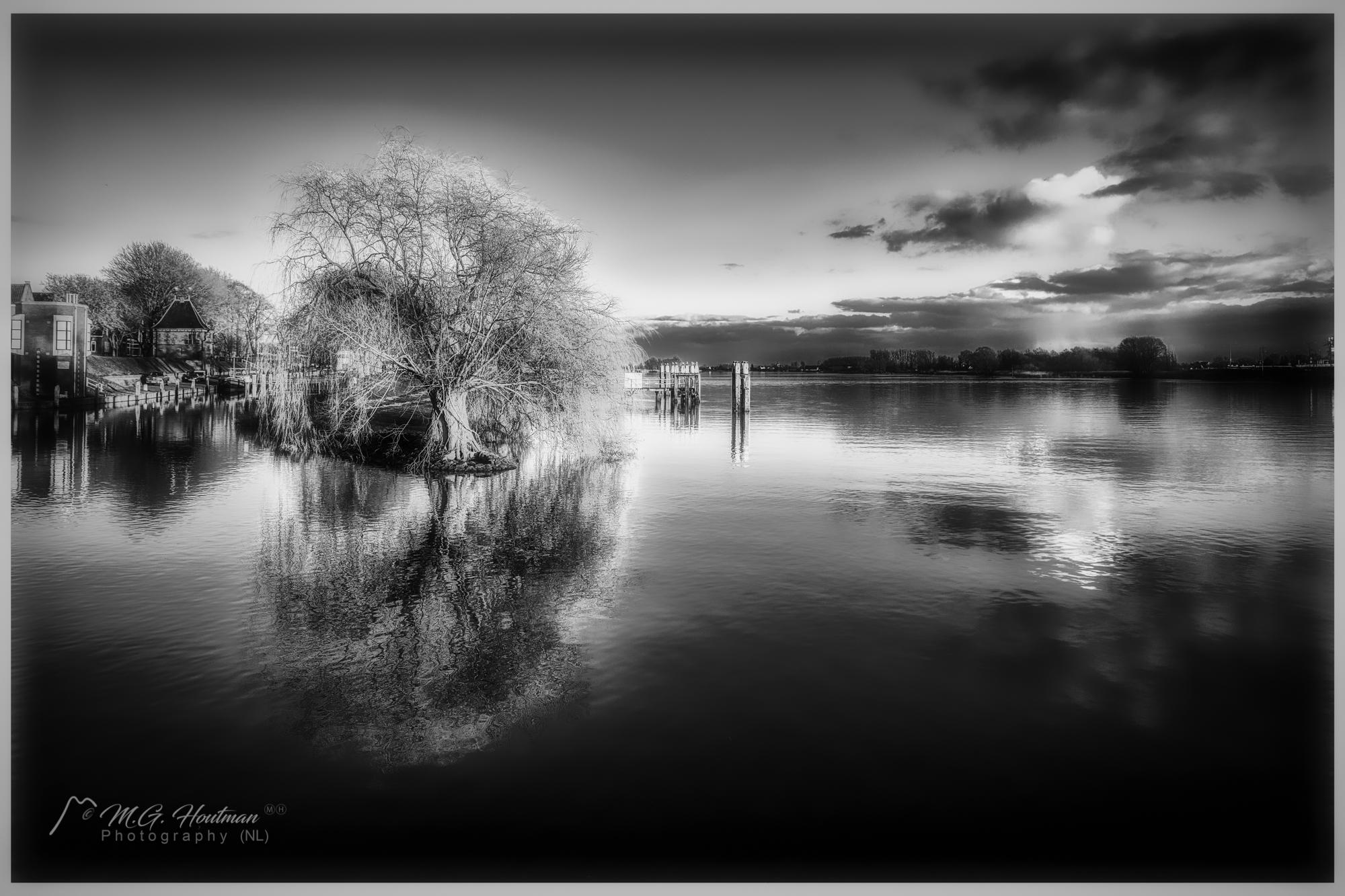 A quiet place along the river